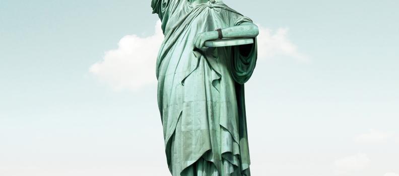 020-Emirates_Statue 02